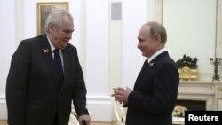 Мілош Земан - порівняно частий гість у Росії і критик міжнародних санкцій щодо Кремля
