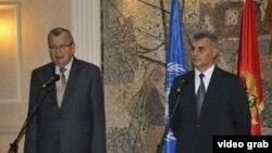 Izvršni direktor Kancelarije Ujedinjenih nacija za drogu i kriminal (UNODC) Jurij Fedotov sa crnogorskim ministrom unutrašnjih poslova Ivanom Brajovićem.(snimak Vlade Crne Gore).