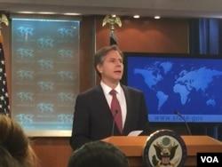 美副国务卿布林肯在国务院公布国际宗教自由报告 (美国之音莉雅拍摄)