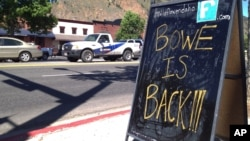 A sign celebrating the release from captivity of Sgt. Bowe Bergdahl stands on a street in the soldier's hometown of Hailey, Idaho, June 4, 2014.
