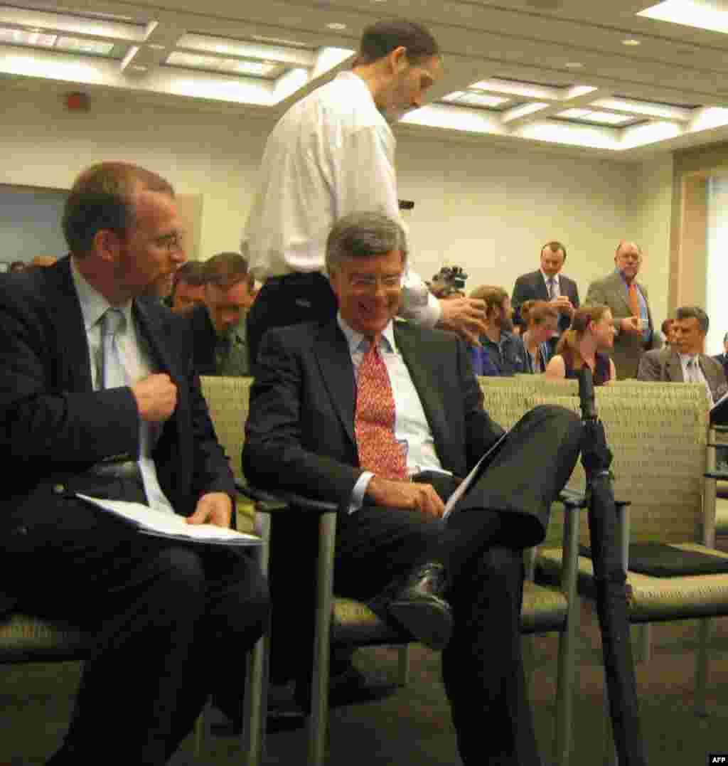 Дискусія у вашингтонському Інституті Брукінґса - експерт Фонду Маршала Дейвид Креймер (ліворуч) і колишній посол США в Україні, нині віце-президент Інституту миру США Вільям Тейлор; фото - Ярини Климчак.