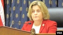Mantan Ketua Komite Urusan Luar Negeri DPR AS, Ileana Ros-Lehtinen, mendesak Obama minta persetujuan Kongres sebelum menyerang Suriah (foto: dok).