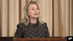 Hillary Clinton alertó que de ser ciertos esos informes el conflicto en Siria se intensificaría de una forma dramática.