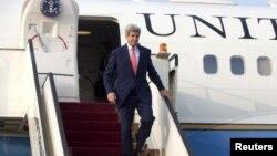 در حالی آقای کری به عراق رفته که این سفر در برنامه او نبود.
