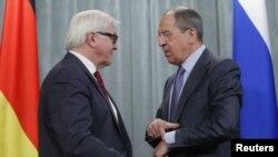 Франк-Вальтер Штайнмаєр і Сергій Лавров