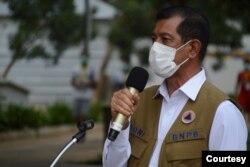 Ketua Satgas Penanganan COVID-19, Doni Monardo, mengimbau masyarakat untuk tidak hadir dalam acara yang mengumpulkan orang banyak (Humas BNPB).