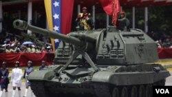 En los últimos cinco años Venezuela ha comprado casi $11.000 millones de dólares en armas a Rusia.