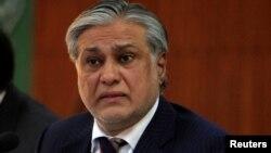 وفاقی وزیر خزانہ اسحٰق ڈار (فائل فوٹو)