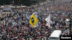 ພວກສະໜັບສະໜຸນ ທ່ານ Morsi ສືບຕໍ່ ການປະທ້ວງ ຢູ່ອີຈິບ