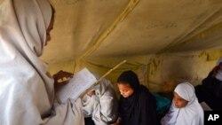 د ملګرو ملتونو د راپور په اساس دافغانستان د ټول نفوس ۳۱ سلنه لوستې ده چې په آسیا کې د نالوستو کسانو تر ټولو لوړه شمېره لري