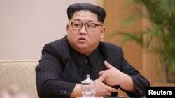 김정은 북한 국무위원장이 지난 9일 조선노동당 중앙위원회 정치국회의를 주재하고 있다.