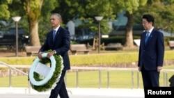奧巴馬星期五傍晚在日本廣島和平紀念公園獻花