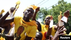 Supporters of Togolese main opposition presidential candidate Jean-Pierre Fabre rally in Lome, March 2, 2010 file photo.