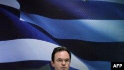 Греческий министр финансов Джордж Папаконстантину