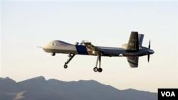 Pesawat tak berawak yang diduga milik AS menembakkan 2 misil dan menewaskan 5 militan di Waziristan, Pakistan (16/2).