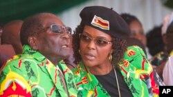 Robert Mugabe e a sua mulher Grace
