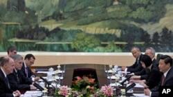 El asesor de seguridad nacional de EE.UU., Tom Donilon, se reunió con Xi Xinping en el Gran Salón del Pueblo, en Pekin.
