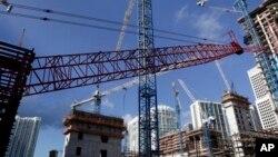 美国住房市场复苏: 2014年7月24日迈阿密市中心建筑工地