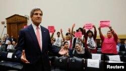 အေမရိကန္ ႏုိင္ငံျခားေရး၀န္ႀကီး John Kerry