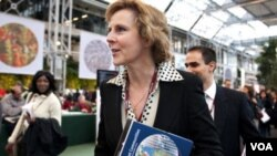 La ministra de medioambiente de Dinamarca y presidenta del COP 15, Connie Hedegaard llega a la sede del encuentro.
