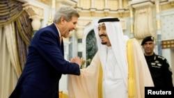 Kral Selman son olarak ABD Dışişleri Bakanı Kerry ile Suudi Arabistan'da görüşmüştü