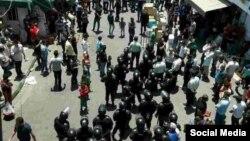 نیروهای یگان ویژه پلیس در بازار شوش تهران