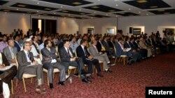 지난 2일 리비아 동부 토브루크시에서 새로 선출된 의원들이 첫 회의에 참석했다.