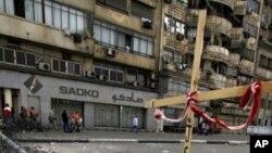 基督徒在开罗市中心国家电视台大楼附近设置路障