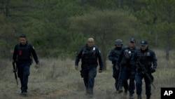 La DEA conjuntamente con la policía federal mexicana continúan investigando las causas del accidente en el que Jenni Rivera perdió la vida a los 43 años.
