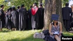 Para mahasiswa di Harvard University, salah satu pencipta sarana pembelajaran di Internet. (Foto: Reuters)