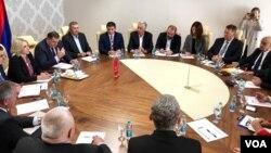 Sastanak delegacija HDZ-a i SNSD-a u Istočnom Sarajevu, 12. novembar 2018.