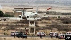 حمله بر میدان هوایی کراچی