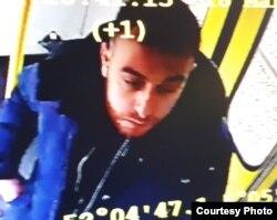 Polisi Belanda memburu tersangka pelaku penembakan, Gokem Tanis yang berusia 37 tahun.