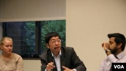 清華大學國際學系教授 李彬(美國之音記者 鍾辰芳拍攝)