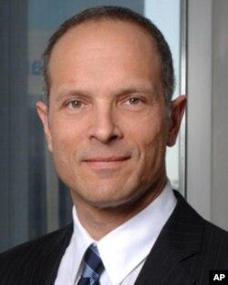 洛杉矶律师艾伦•雅各比