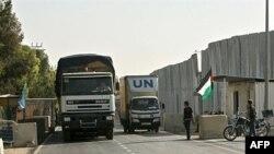 Xe chở hàng cứu trợ của Liên Hiệp Quốc tiến vào Dải Gaza, ngày 17/6/2010