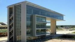 Professores universitários angolanos voltam a ameaçar greve - 1:11