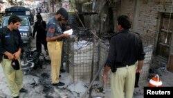 Policija prikuplja dokaze ispred zatvora na koji je izvršen napad