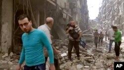 درگیری ها در شرق دمشق به مرگ ۵۲ نفر منجر شده است.