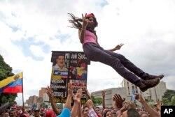 Manifestação a favor de Maduro em Caracas, 6 de Agosto