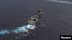 Brod autralijske mornarice u potrazi za nestalim malezijskim avionom