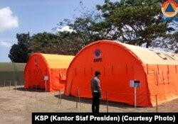 Tenda di mana Jokowi akan menonton penutupan Asian Games 2018 bersama para pengungsi Lombok.