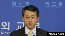 조태영 한국 외교부 대변인이 3일 정례브리핑을 하고 있다.