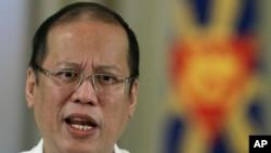 菲律宾总统阿基诺2012年发表电视讲话