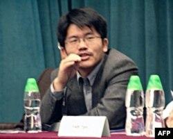 南开大学新闻系副教授熊培云