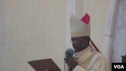 Arcebispo diz que governo deve dar prioridade á emissão de BIs - 2:31