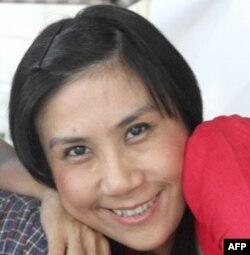 Blogger Lê Nguyễn Hương Trà (hay Cô Gái Ðồ Long)
