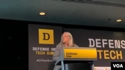美国国家情报副主任苏·戈登(Sue Gordon)2019年6月27日在军事出版商Defense One讨论会上发言(美国之音黎堡)