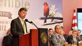 El presidente colombiano Juan Manuel Santos dijo que no acepta el fallo de la Corte Internacional de Justicia, en tanto no se protejan los derechos de los colombianos.