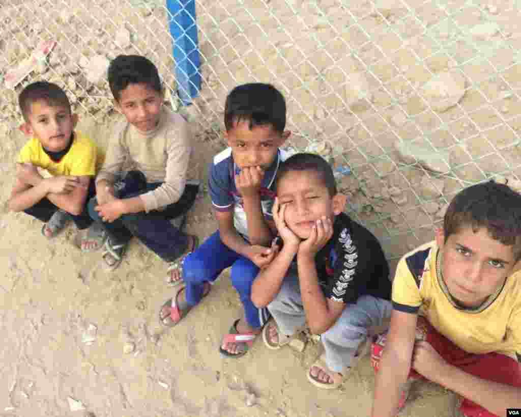 داعش کے زیر قبضہ علاقوں میں خاندان کے خاندان رفتہ رفتہ مایوسی کا شکار ہو رہے ہیں۔